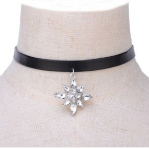 Leather collar choker with charm